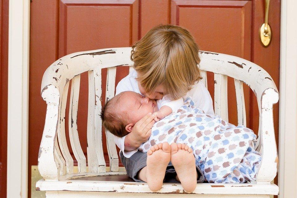 Két gyerekkel az élet